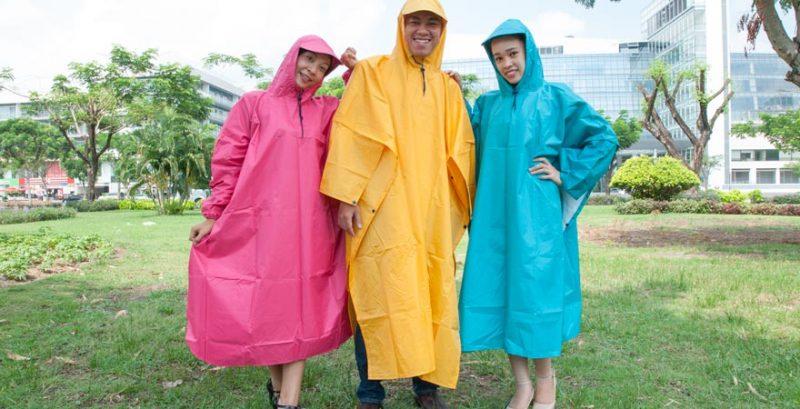 Chất liệu mà xưởng sản xuất áo mưa TPHCM CT sử dụng