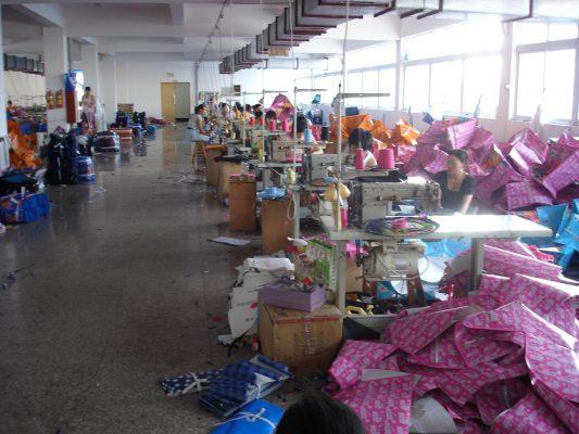 Tìm kiếm xưởng sản xuất áo mưa giá rẻ 2020 uy tín nhất