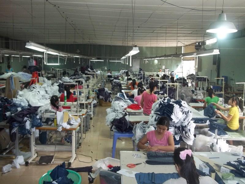 Xưởng sản xuất áo mưa số lượng lớn CT xứng đáng là sự lựa chọn hoàn hảo